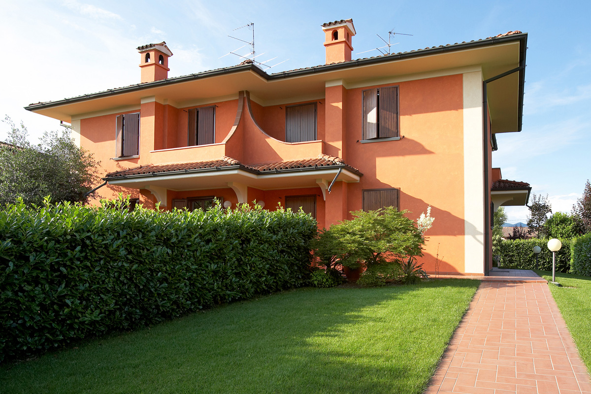 Amazing pittura esterna casa qt44 pineglen - Colori case esterni ...