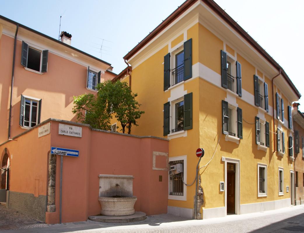 Pitture ai silossanici tinteggiatura facciate esterne for Facciate esterne case moderne